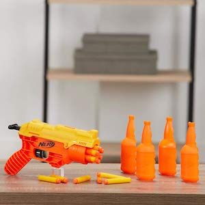 Nerf Cobra Alpha Strike mit Bottle-Targets